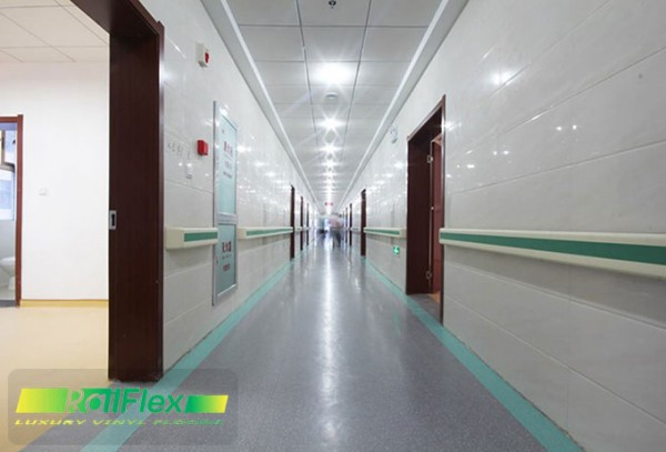 Sàn nhựa vinyl dùng trong hành lang bệnh viện