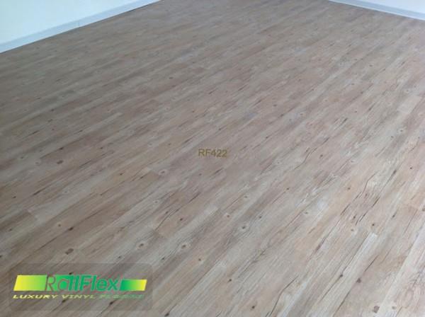 Sàn nhựa vinyl vân gỗ mã RF422